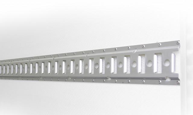 Trimovací lišta AL pro rozpěrné tyče nebo kurtovací pásy